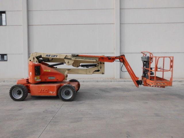 maszyny-budowlane-podnosnik-przegubowyJLG-M450AJ---1_big--15120610202935692900